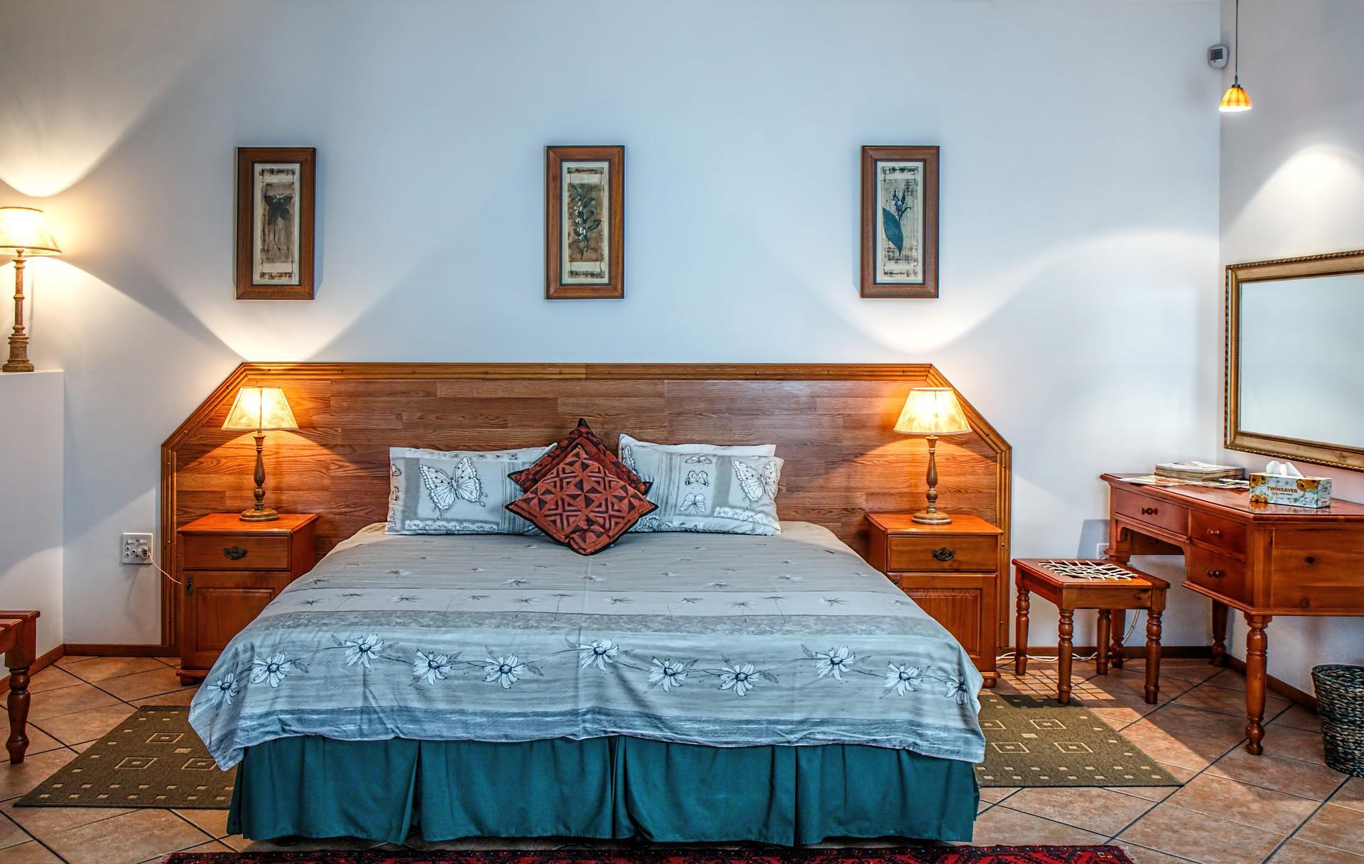 bedroom-490779_1920